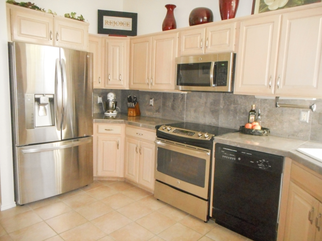 Holladay UT Furnished Home - Kitchen